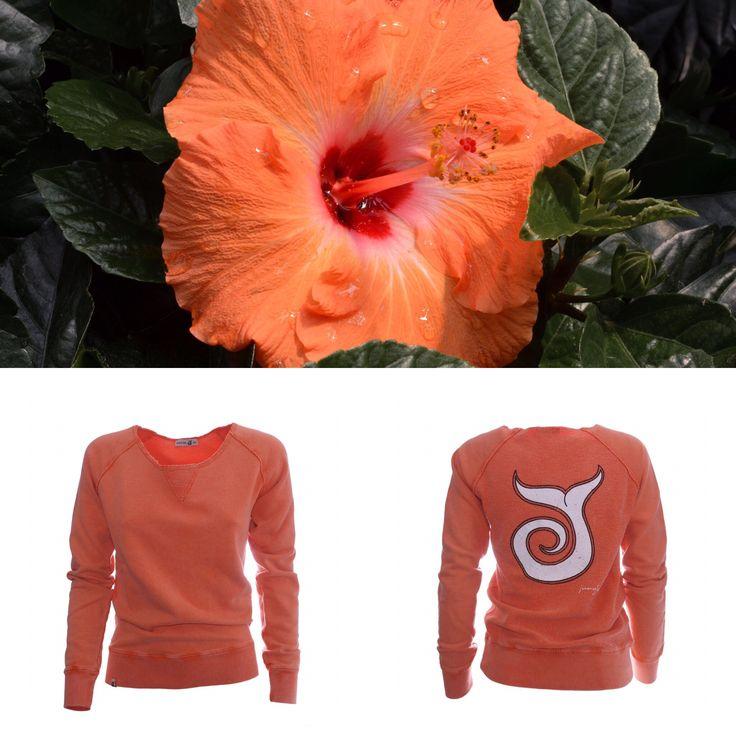 FELPA CON SCOLLO AMPIO Roxy Tangerine 80,00€ Scollo ampio, cotone non garzato, tintura marmorizzata, coda sfumata