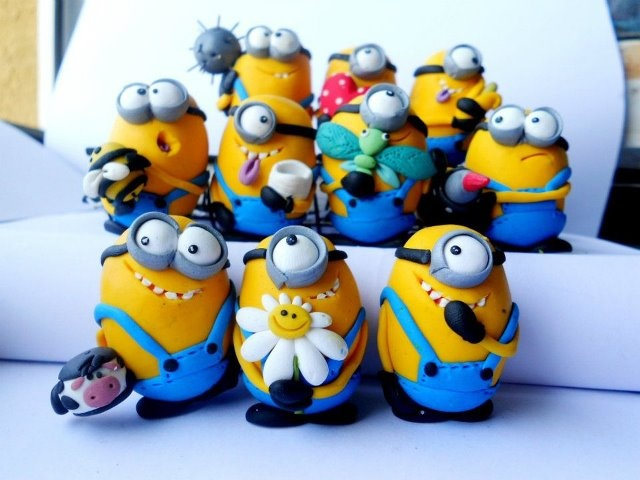 POLYMER MINIONS. ADORABLE.