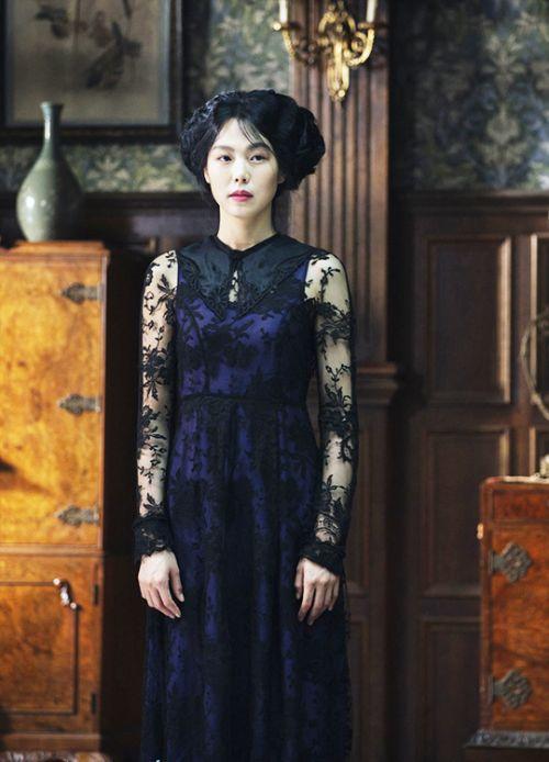 Kim Min-hee in 'Agasshi/The Handmaiden' (2016).