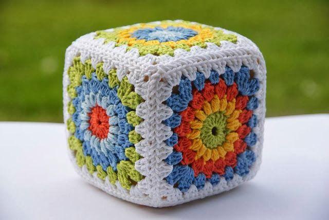 granny crochet sonajero