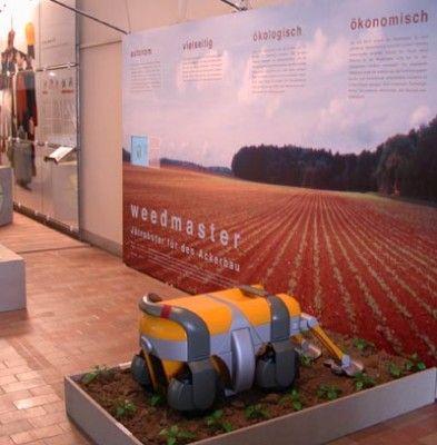 Weedmaster – Methanol Fuel Cell Powered Weeding Robot