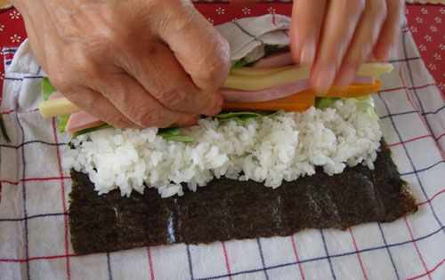 A sushi roll bento, plus how to make sushi rolls without a sushi mat