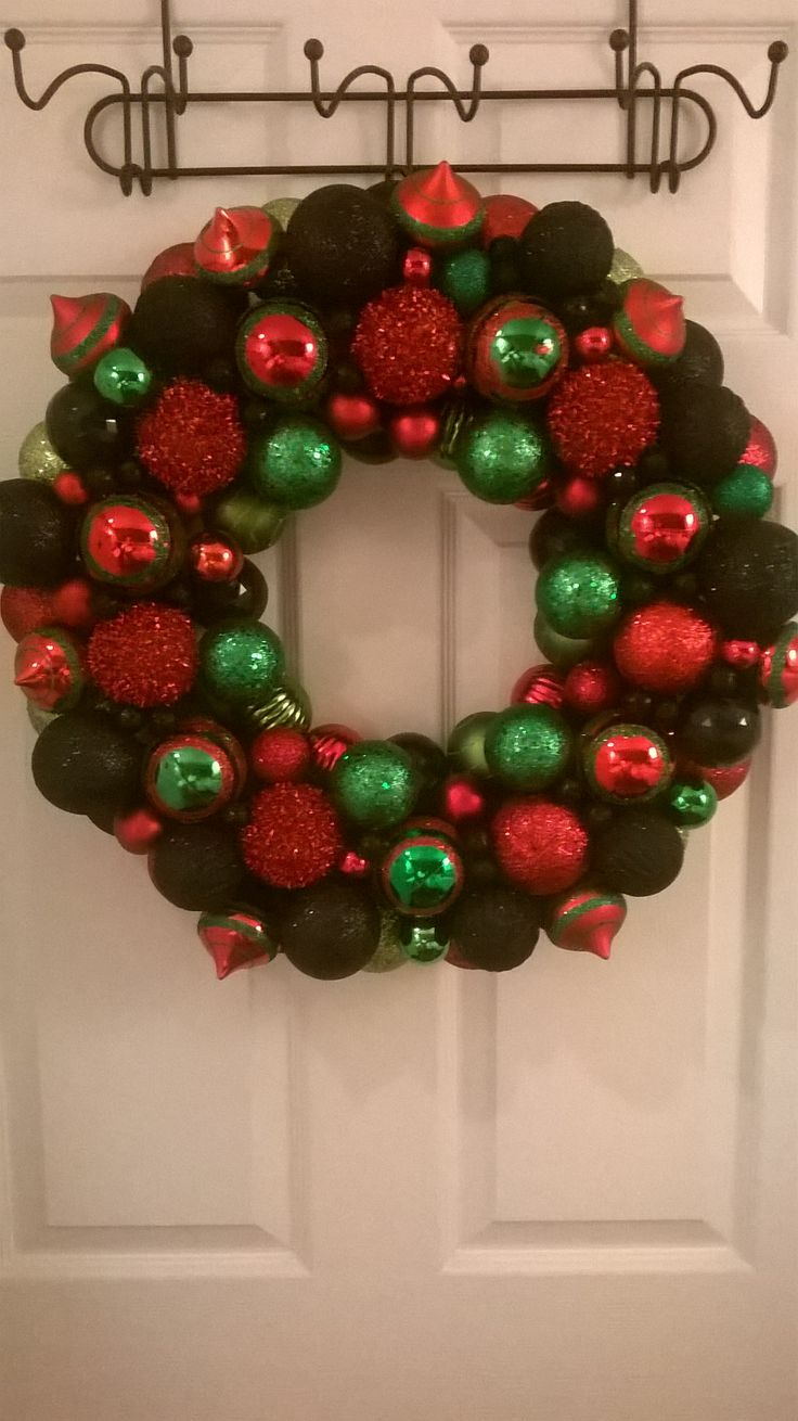 Ornament Kwanzaa wreath