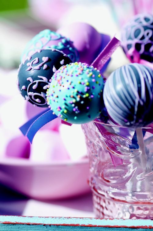 Vintage party theme: Cake pops are a huge trend, and are not as difficult to make as they look.