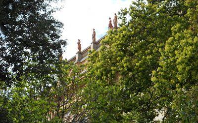 Albaro: a Villa Raggio residenze, parcheggi e una piscina