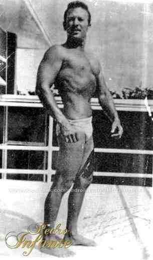Pedro Infante cuerpo al natural!