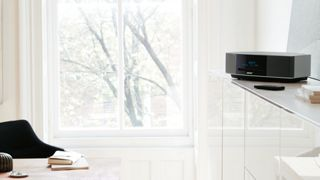 Shop the Bose® Wave® music system IV. This versatile music system plays CDs, AM/FM radio.