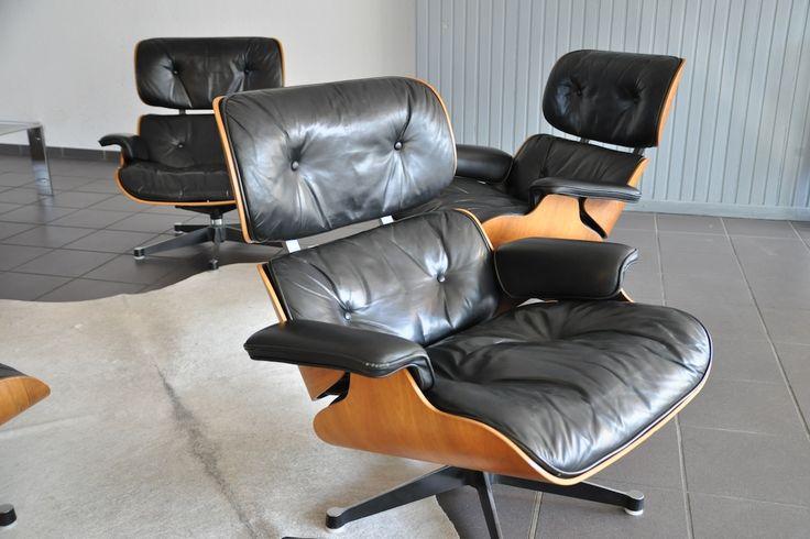 """""""Lounge chair"""" von Charles Eames in Palisander mit schwarzem Leder"""