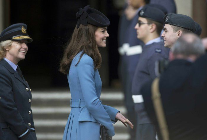 Το ξαναφορεμένο παλτό της Κέιτ Μίντλετον τρέλανε τους Βρετανούς [εικόνες] | iefimerida.gr