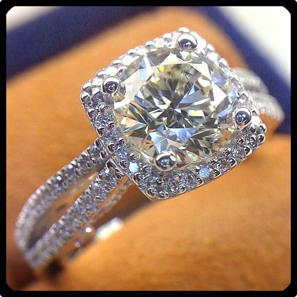super gorgeous! EVERY RING I HAVE EVER LOVED ROLLED INTO ONE
