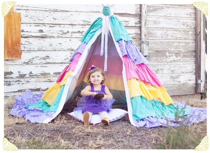 A Dreamy Ruffled Teepee is a great little homemade tent for playing pretending and housing super-secret clubs. Kids of all ages will love playing in this ...  sc 1 st  Pinterest & Best 25+ Teepee tutorial ideas on Pinterest | Diy kids teepee ...