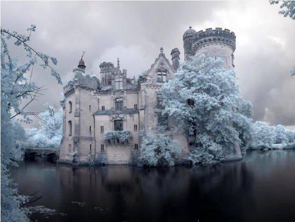 Forgotten castle of the Dark Queen. Chateau de la Mothe-Chandeniers.