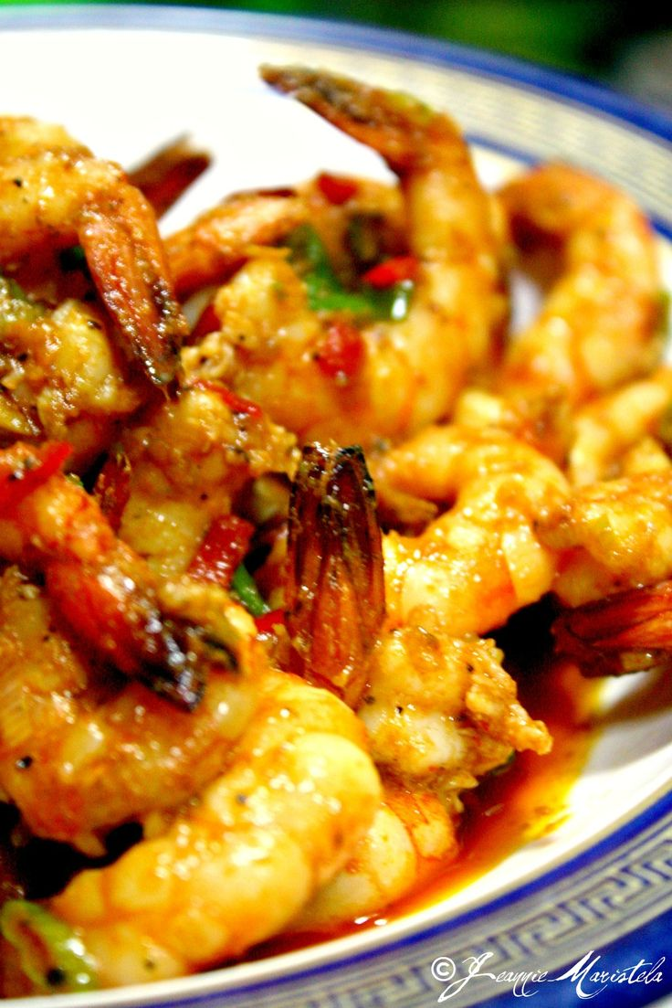 STIR-FRIED SRIRACHA SHRIMPS  Spicy with an Asian barbecue hint… very Rice worthy! :)
