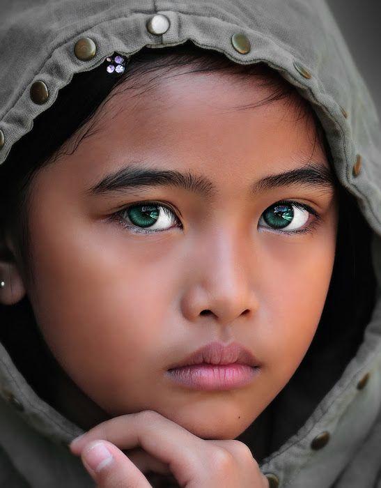 blackandwhitefeatcolour | Kids portraits, Beautiful