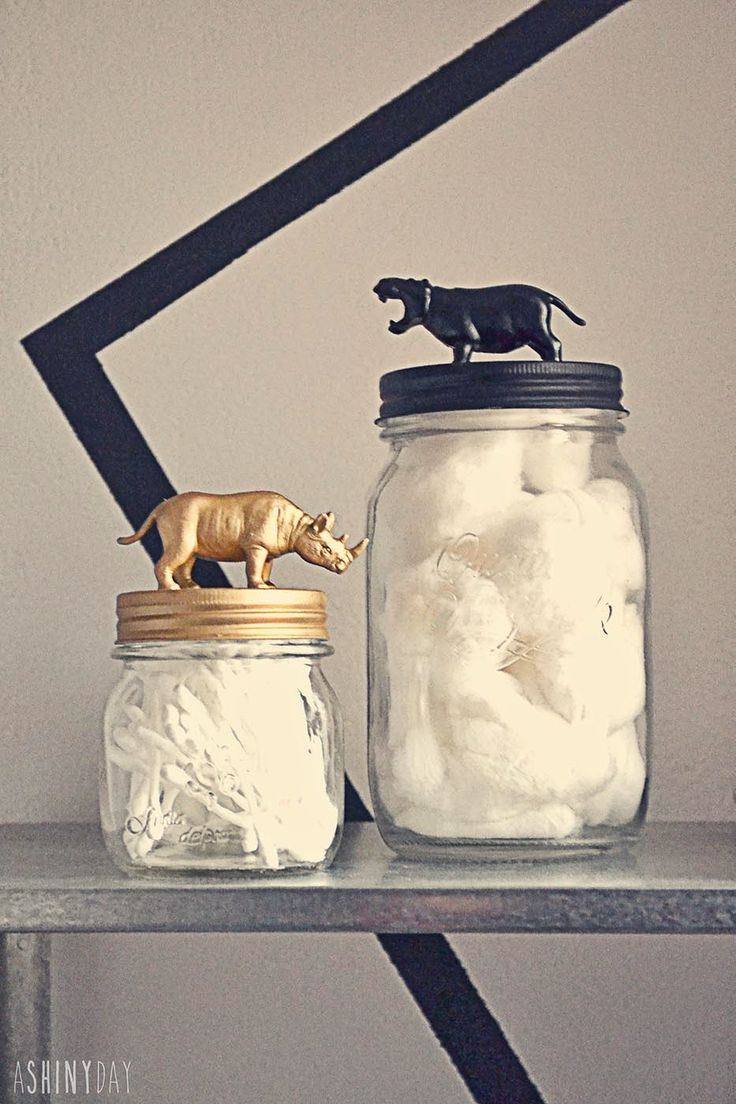 Mason Jars || Decorate your mason Jars with plastic animals || So glamorous and exotic !!