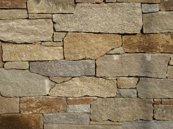Exterior: Sareen Tiles, Cotswold Dry Wall