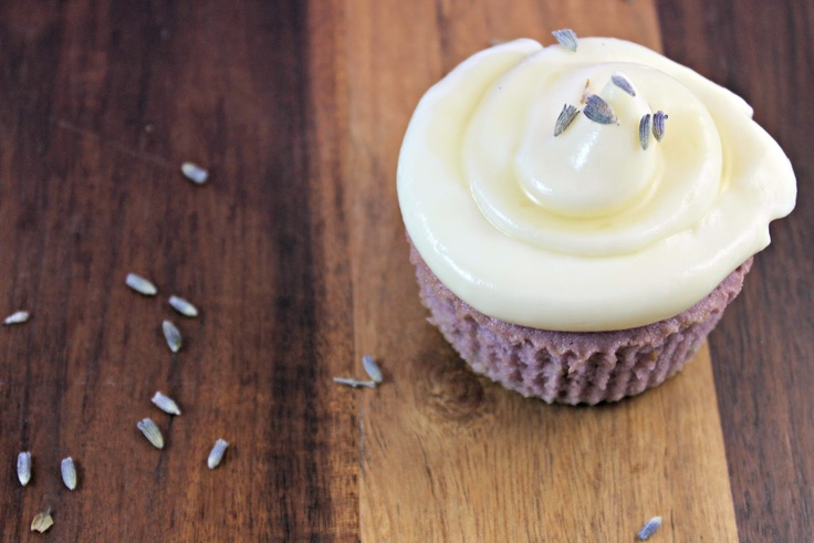 Almond Lavender Cupcakes with Honey Cream Cheese Frosting | yummies on ...