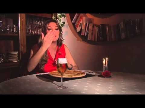 Pizza alla canapa a lievitazione naturale e birraAl cibo commestibile