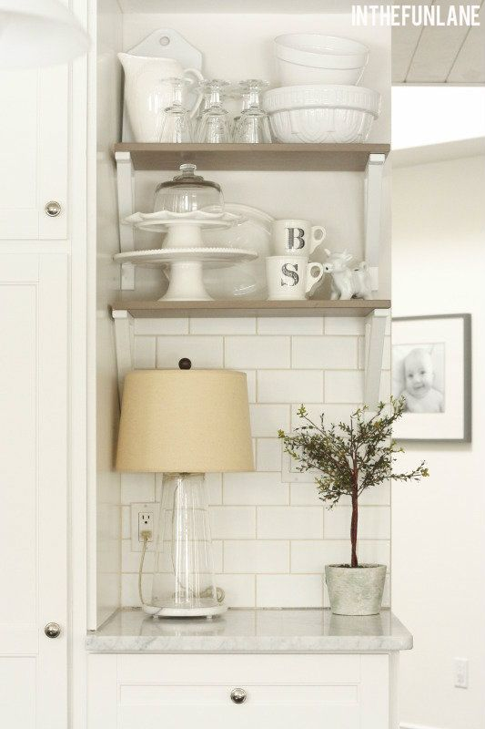 wish I could do some small shelves like this in kitchen