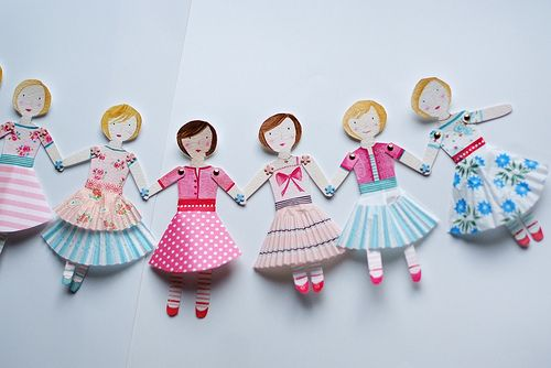 folding tabs: Paper doll garlands or chains