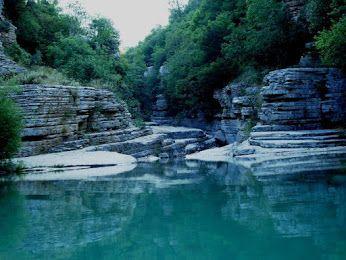 Κολυμπήθρες στο Μικρό Πάπιγκο... Visit Ioannina. www.nantinhotel.gr #Mikropapigko #Kolimpithres #Nantinhotel #Ioannina #Greece