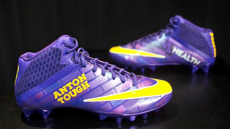 The NFL is encouraging players to wear custom cleats in Week 13 - Very cool!!