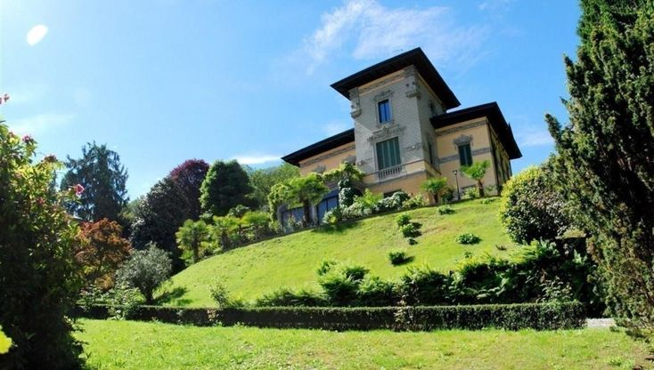 An old villa in the center of Stresa, Italy