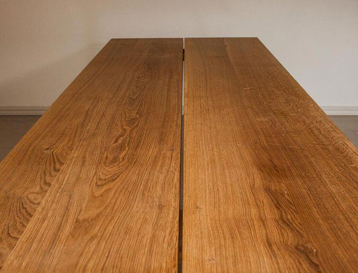 Plankerne til et plankebord fra Ksign-shop.dk er nøje udvalgt og har et helt unik og flot struktur. Træet kommer desuden fra FSC godkendt skovbrug og sikrer dermed bæredygtig produktion. Se mere på: http://www.ksign-shop.dk/shop/plankebord/