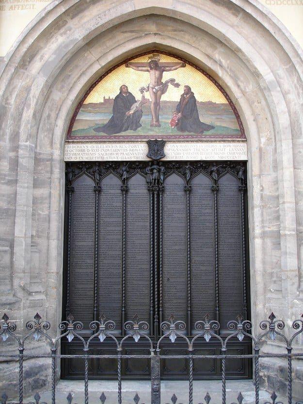 Die Tür der Schlosskirche Wittenberg, an die Martin Luther 1517 seine 95 Thesen geschlagen haben soll.