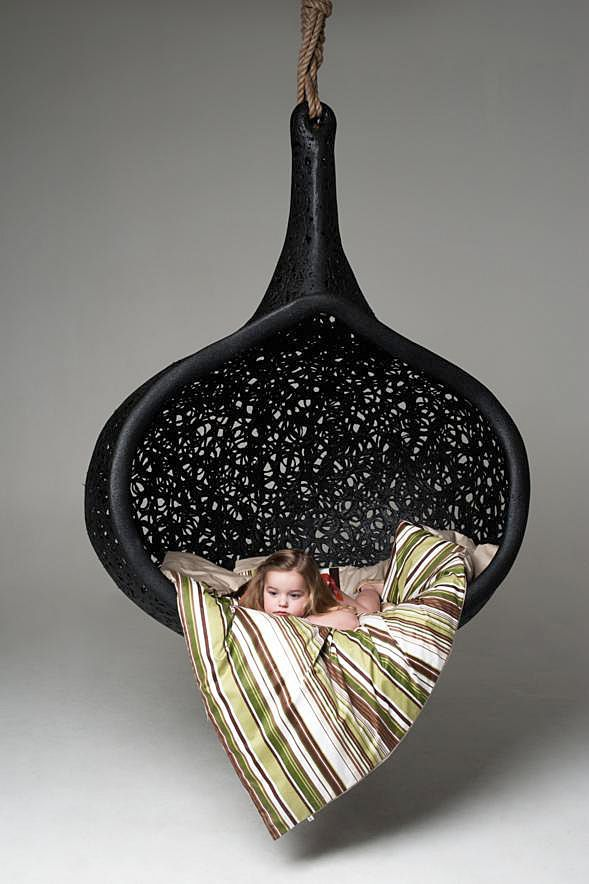 The Exclusive MANU Nest Hanging Chair - Maffam Freeform - News and press releases
