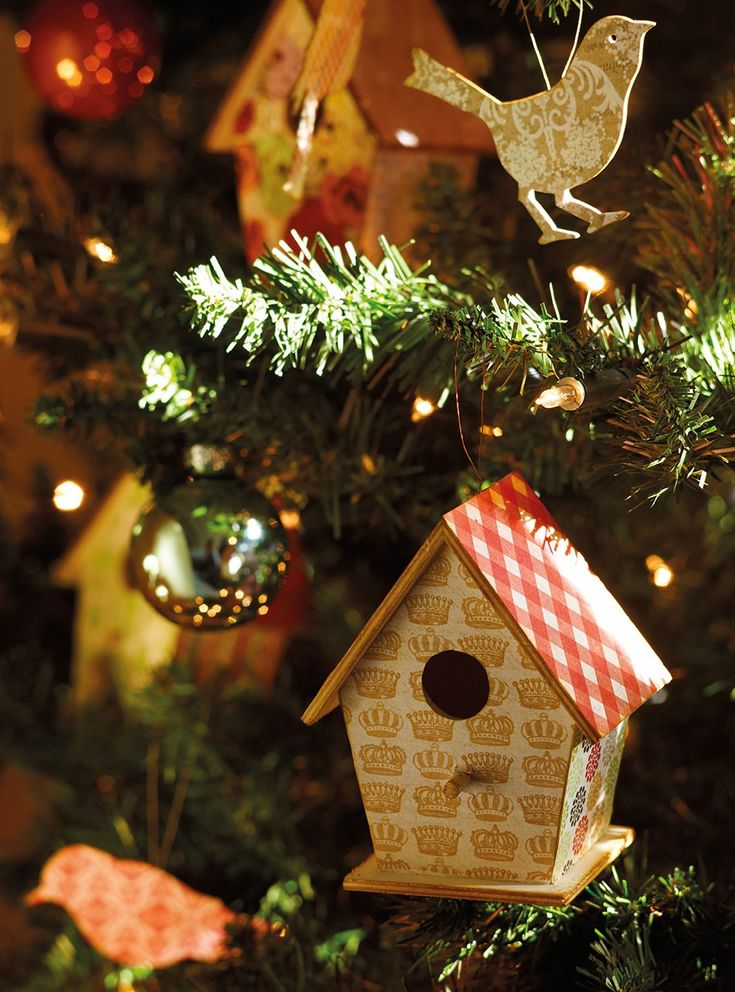 pretty little houses and birds for christmas tree decor..: