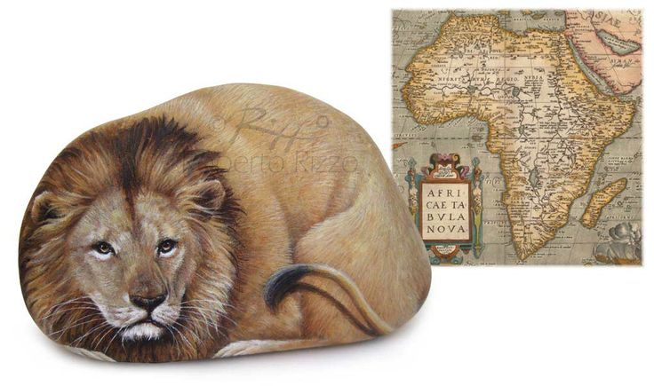 Lion - acrylic on rock | Painted stones by Roberto Rizzo | www.robertorizzo.com
