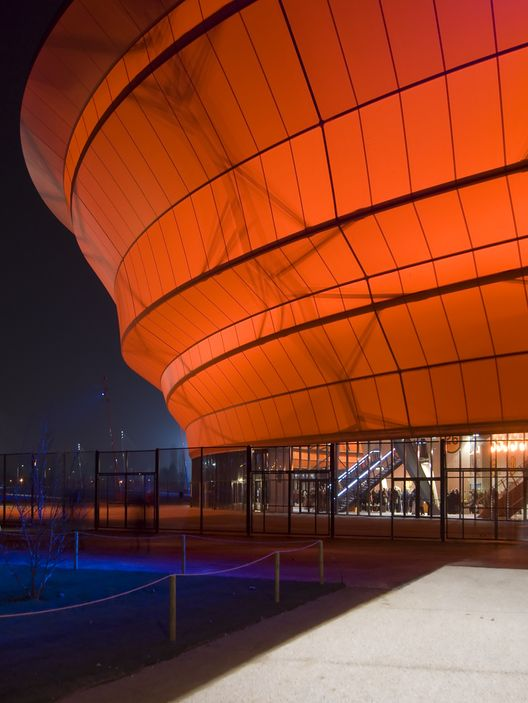 Built by Massimiliano Fuksas in Strasbourg, France with date 2008. Images by Philippe Ruault. By its playful form and character, the Zenith music hall contributes to the great Varietee Theaters which were built ...
