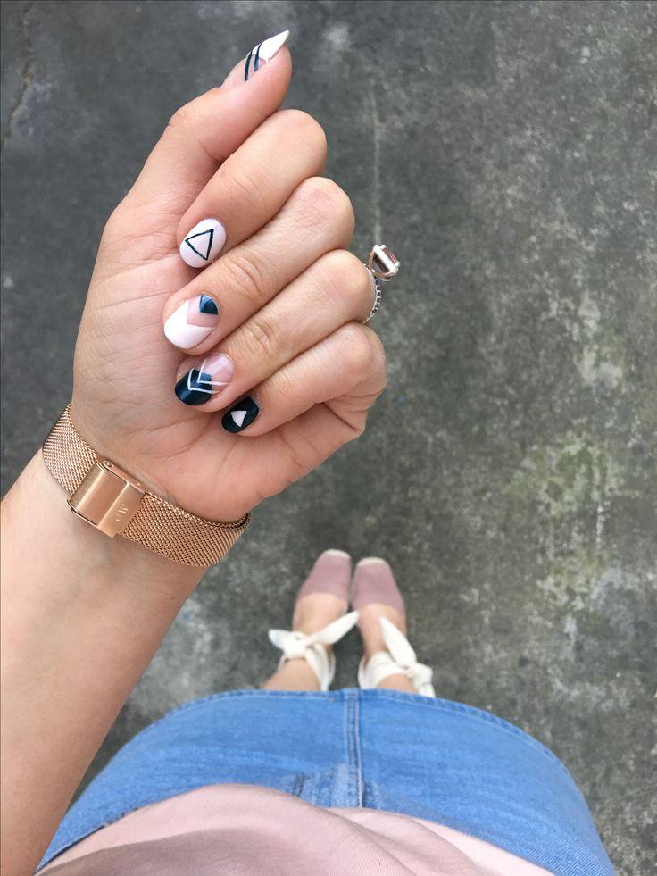 Triangle Nail Art - Rose Gold Lining | real nails | hand painted nail art | nail design ideas | negative space nail art