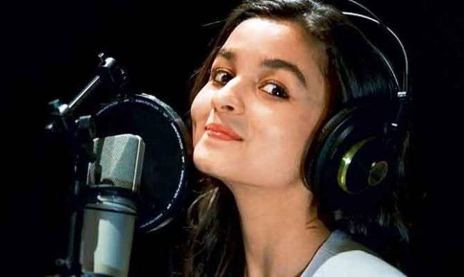 Alia Bhatt Biography like Age, DOB, Height, Weight, Family, Marriage, Career, Images, Networth, Affairs, Awards, Songs, Profession