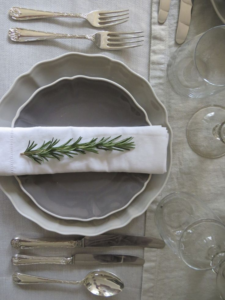 Table set with rosemary #interior #design