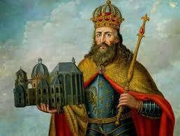 (43) 500 – De entre todos las tribus en que se dividían los francos, fueron los salios, encabezados por Clovis o Clodoveo I, los que lograron eliminar toda competencia y aseguraron el dominio de sus líderes, convertidos en dinastía merovingia.