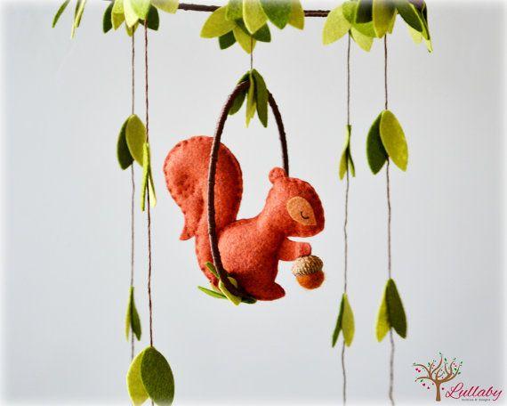 READY NOW - Squirrel mobile - woodland - Nursery baby mobile - Felt green, auburn brown and cinnamon squirrel - Nursery decor