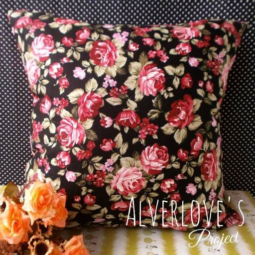 Jual Black Rose Sarung Bantal Katun Jepang (Cover Only) - Alverlove's Project | Tokopedia