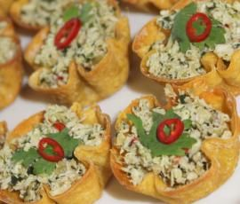 Recipe Spicy Thai Chicken Cups by Rebecca Hill - Recipe of category Starters