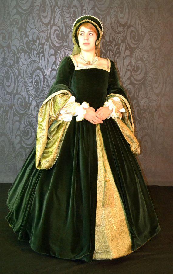Robe de Tudor/théâtre élisabéthain par GryphonsWingDesign sur Etsy