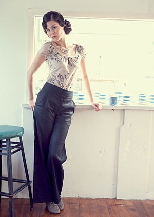 Voon Shadow Top and Preparation Trousers