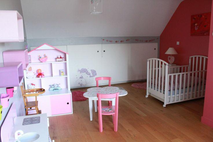 Une chambre d'ado transformée en chambre de petite fille, empreinte de douceur et de poésie... par Kiosque Déco http://www.kiosquedeco.fr/decoration/designsentry_portf/chambre-fille-romantique-princesse/