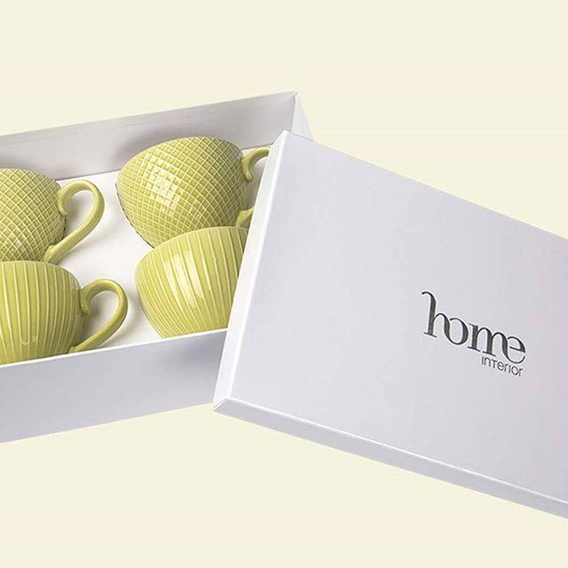 """Für die perfekte Teeparty! ❤️ XL Tassen-Set in Geschenkbox um € 19,50. Erhältlich online oder in home INTERIOR Shops im Kaufhaus Tyrol & DEZ Innsbruck. www.home-interior.at/shop ➡️ Kategorie: """"Neu eingetroffen!"""", """"Muttertag"""" & """"Tassen"""". Jetzt bequem shoppen ❤️ #home #homeinterior #homedesign #interiorshop #shop #onlineshop #wohnaccessoires #tassen #tee #teetrinken #teaparty #picknick #grillparty #partysaison #spring #frühstück #brunch #followme #frühling #mama #muttertag #mothersday #friday…"""