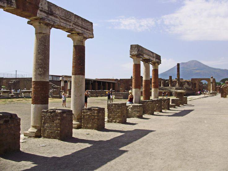 Помпеи. Прогулка по мертвому городу. Pompei. A walk in the dead city