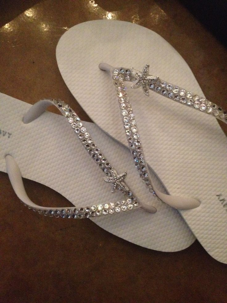 Perfect Flip Flops for any Occasion!! Gorg! Must have for sure!! Check out all different styles here!!    Http://www.etsy/shop/islandtoes