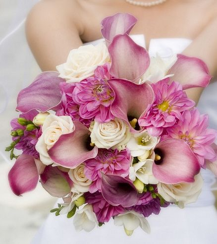 Mixed Wedding Bouquets – Mixed Bridal Bouquets | Calla Lily Wedding Bouquets | Calla Lily Bridal Bouquet | Rose Wedding Bouquets | Graceful Blooms at BunchesDirect