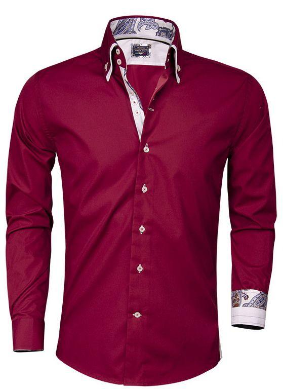 Rood Italiaans overhemd van Arya Boy. Het slimfit overhemd is gemaakt van 80% katoen en 20% polyester. Op het overhemd met hoge kraag is een bewerkt patroon in de binnenzijde van de kraag aangebracht. Dit heren shirt met transparante witte knopen is afgewerkt met een 3-knoops sluiting, een verstevigd manchet en een witte dubbele kraag.