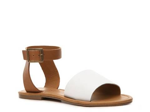 Coconuts All About Flat Sandal | $250 DSW GC Giveaway http://shopsweetthings.com/fashion/summer-shoe-lovin-dsw-giveaway #dswshoehookup #pintowin