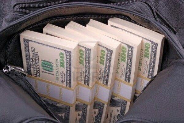 Jag är en pengar magnet pengar rinner till mig:-)